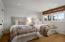 Guest bedroom with mountain views, en suite bath