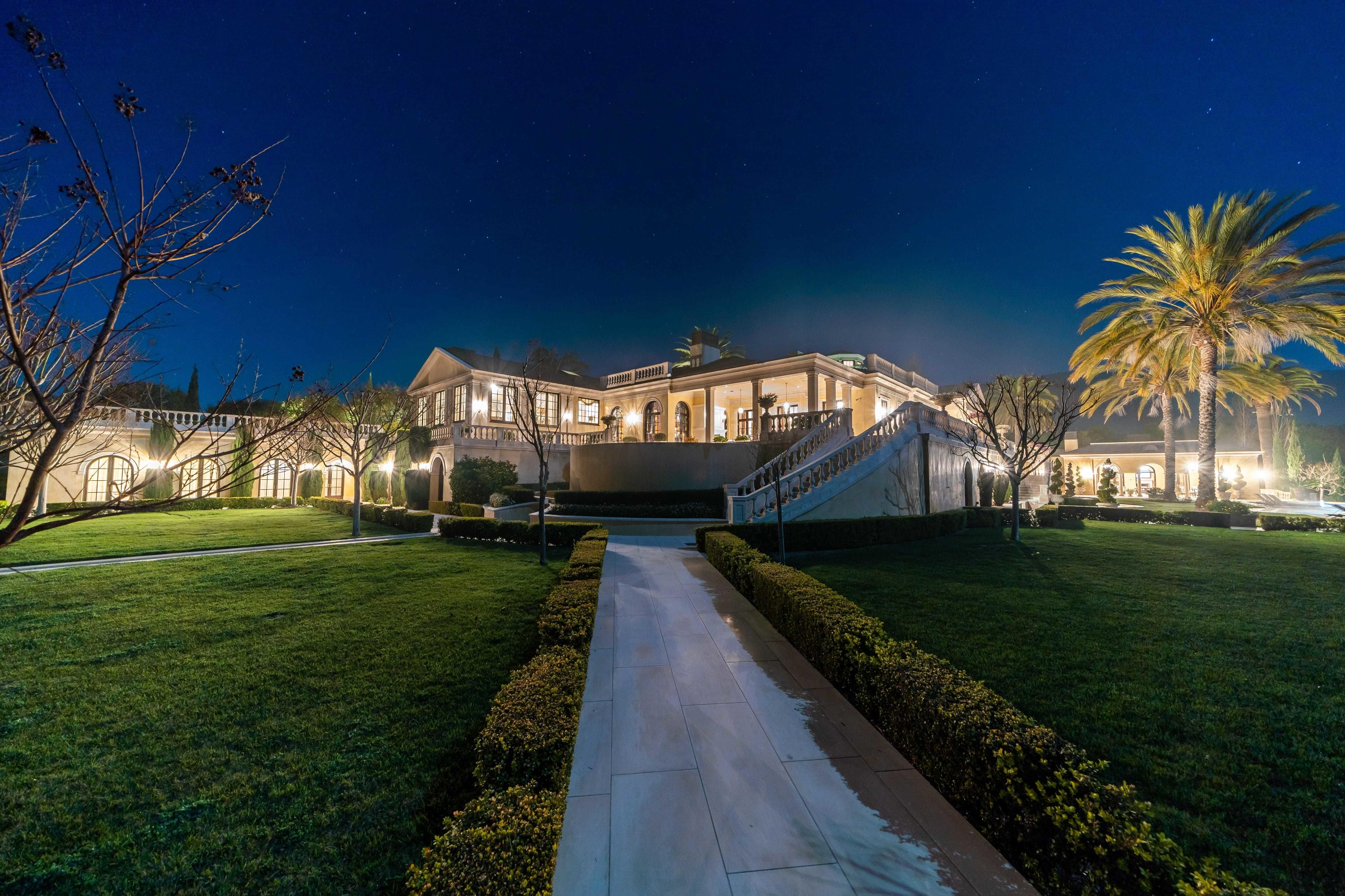 120 Montecito Ranch Ln Summerland, CA 93067