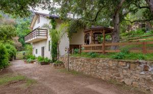 1150 Toro Canyon Rd, SANTA BARBARA, CA 93108