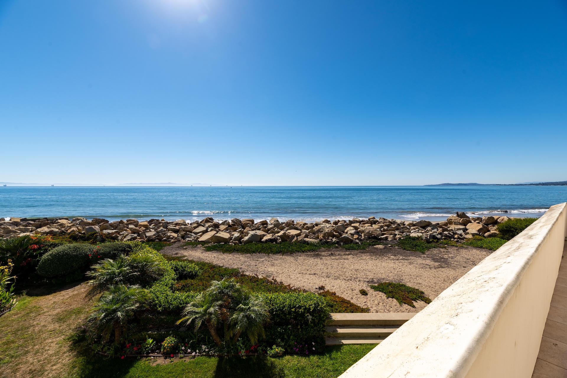 879 Sand Point Rd Carpinteria, CA 93013