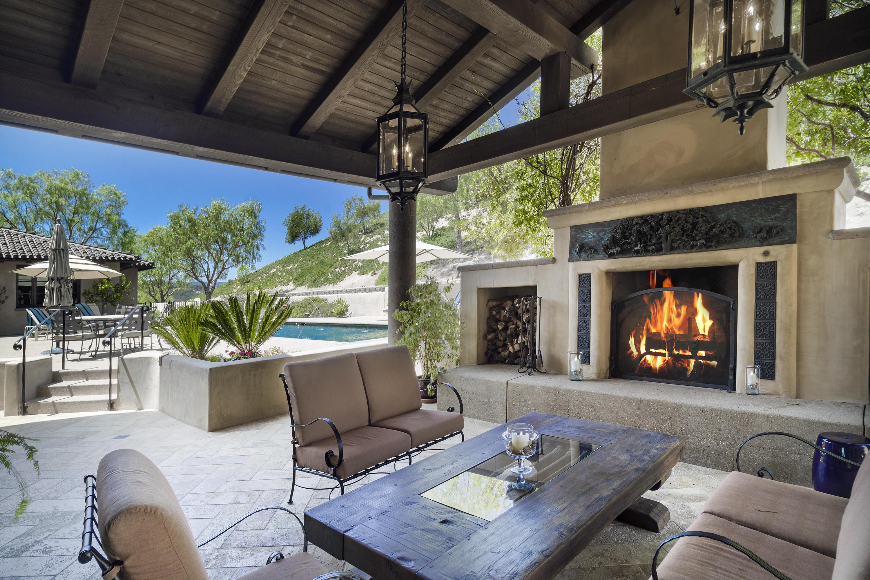 2667 Via De Los Ranchos Los Olivos, CA 93441