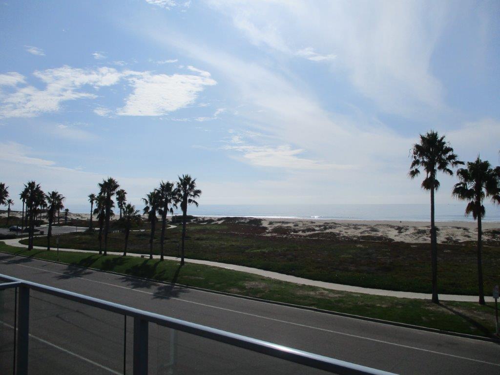659 Ocean View Dr Port Hueneme, CA 93041