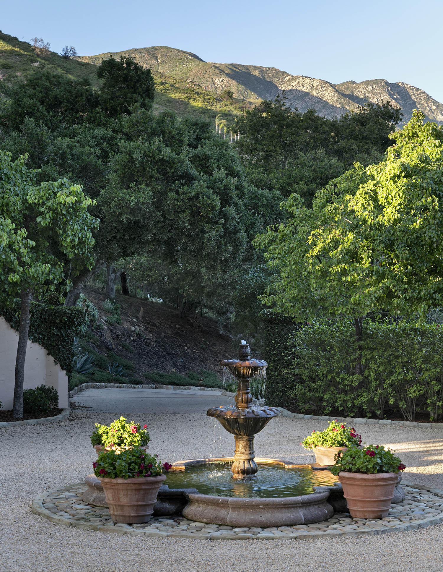 900 Knollwood Dr Montecito, CA 93108