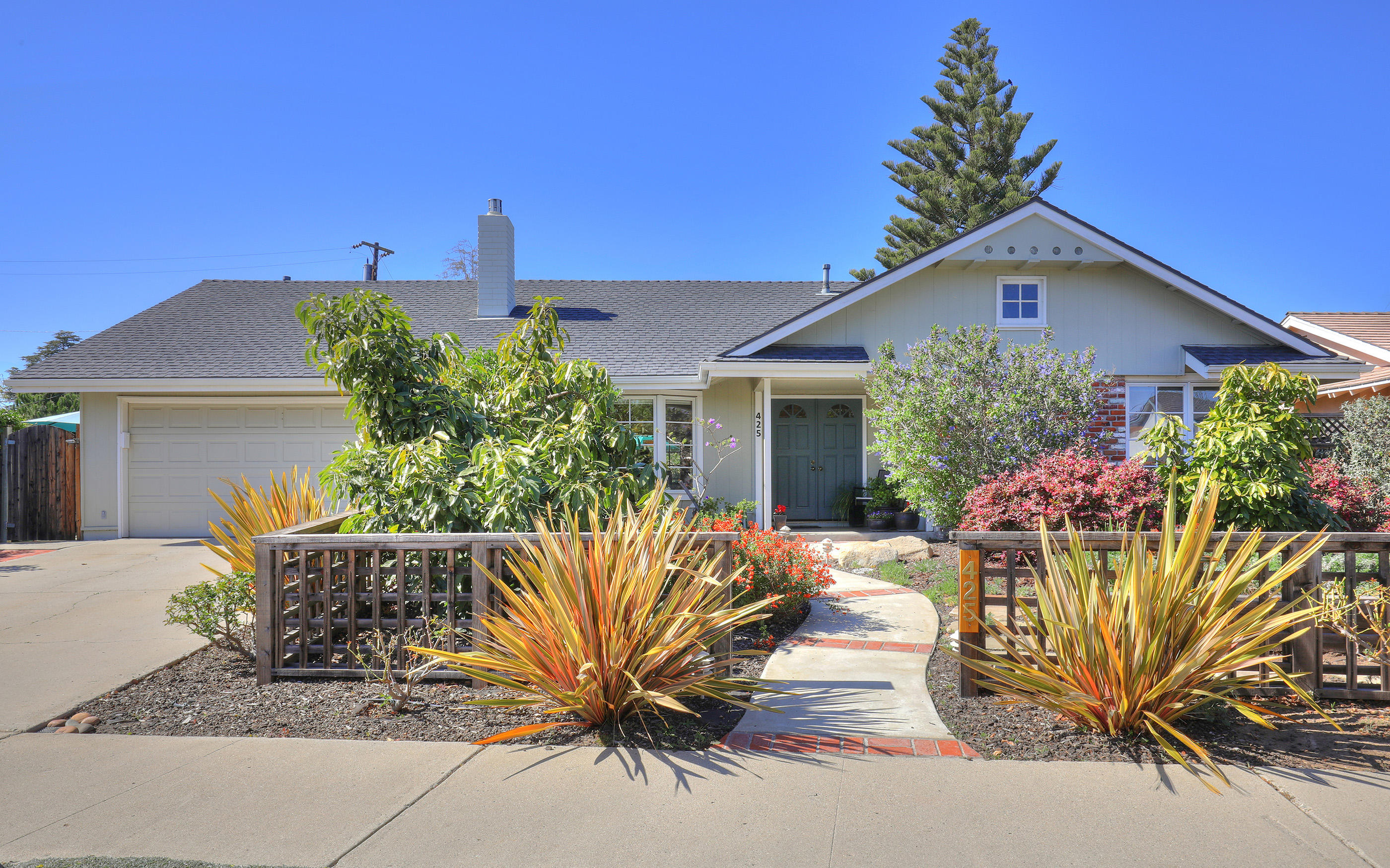 Photo of 425 Arundel Rd, GOLETA, CA 93117
