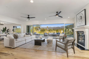 Indoor / Outdoor Living with stunning mountain views.