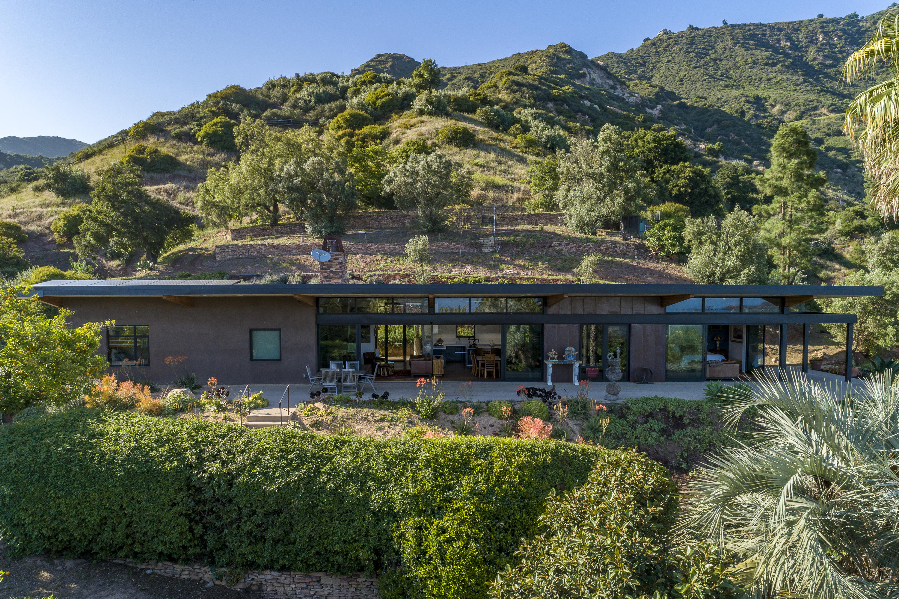 Photo of 1301 W Mountain Dr, SANTA BARBARA, CA 93103