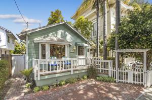Short Term Licensed 5-Star Vacation Rental in Santa Barbara