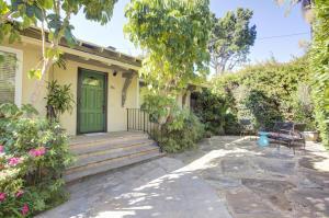 1819 Santa Barbara St, SANTA BARBARA, CA 93101