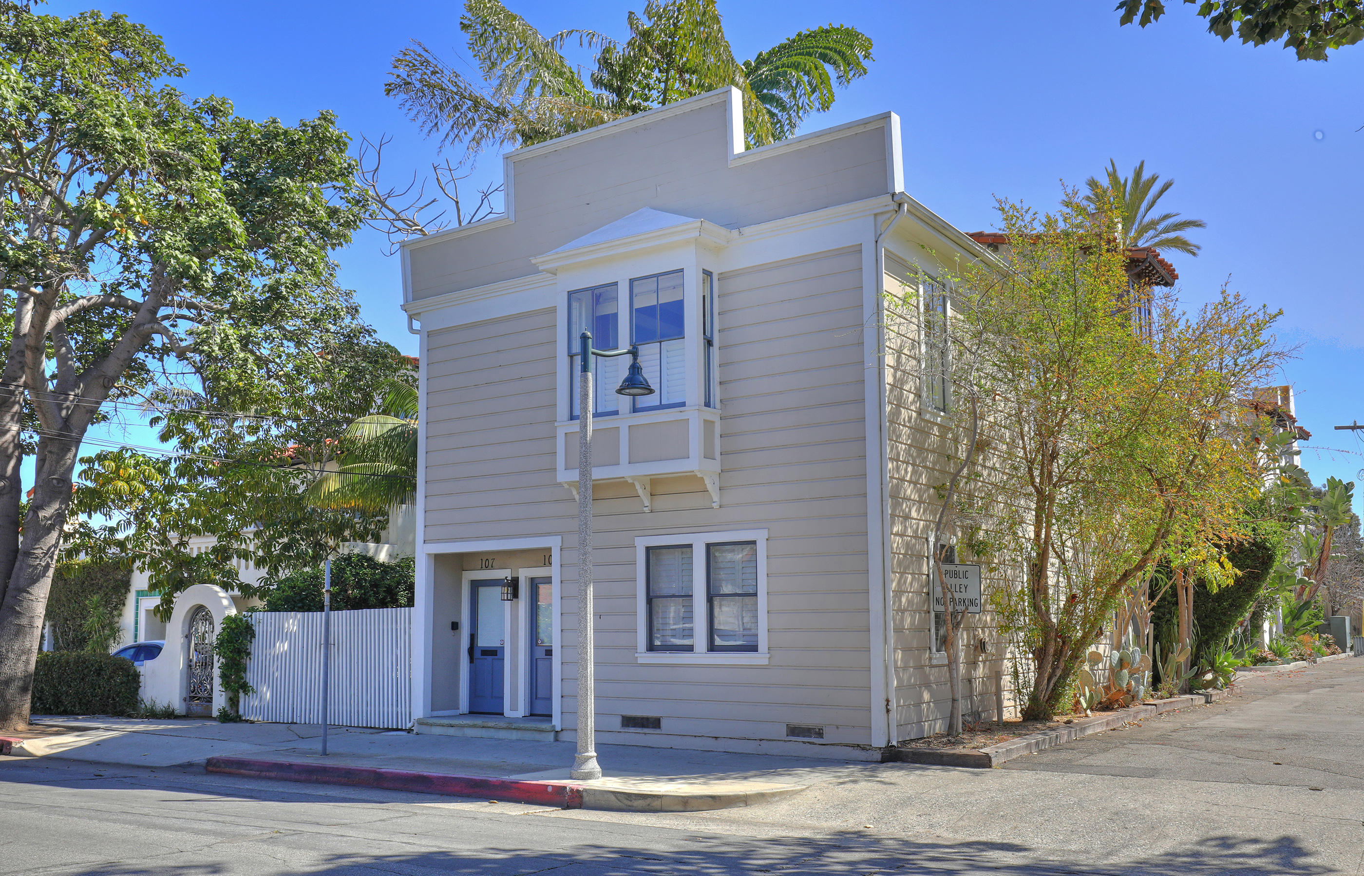 107 W Cota St Santa Barbara, CA 93101