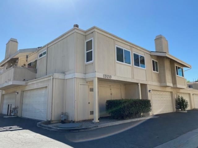 Ralston Village Condo! This is a 2 bedroom, 1.5 bath unit with a 2 car garage, located near the Government Center in Ventura. The seller would prefer to sell all four Ralston Village and six Buenaventura Gardens together as a bulk sale. However, seller is open for purchase of individual units, all properties are currently occupied by long term tenants.