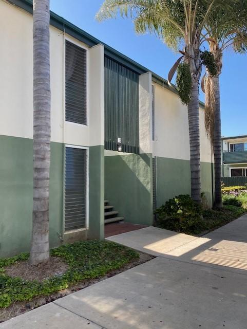 Desirable Buenaventura Gardens Condo! This is a 2 bedroom, 2 bath, upper unit, centrally located in Ventura. The seller would prefer to sell five Buenaventura Gardens and four Ralston Village condos together as a bulk sale. However, the seller is open for purchase of individual units, all properties are currently rented to long term tenants.