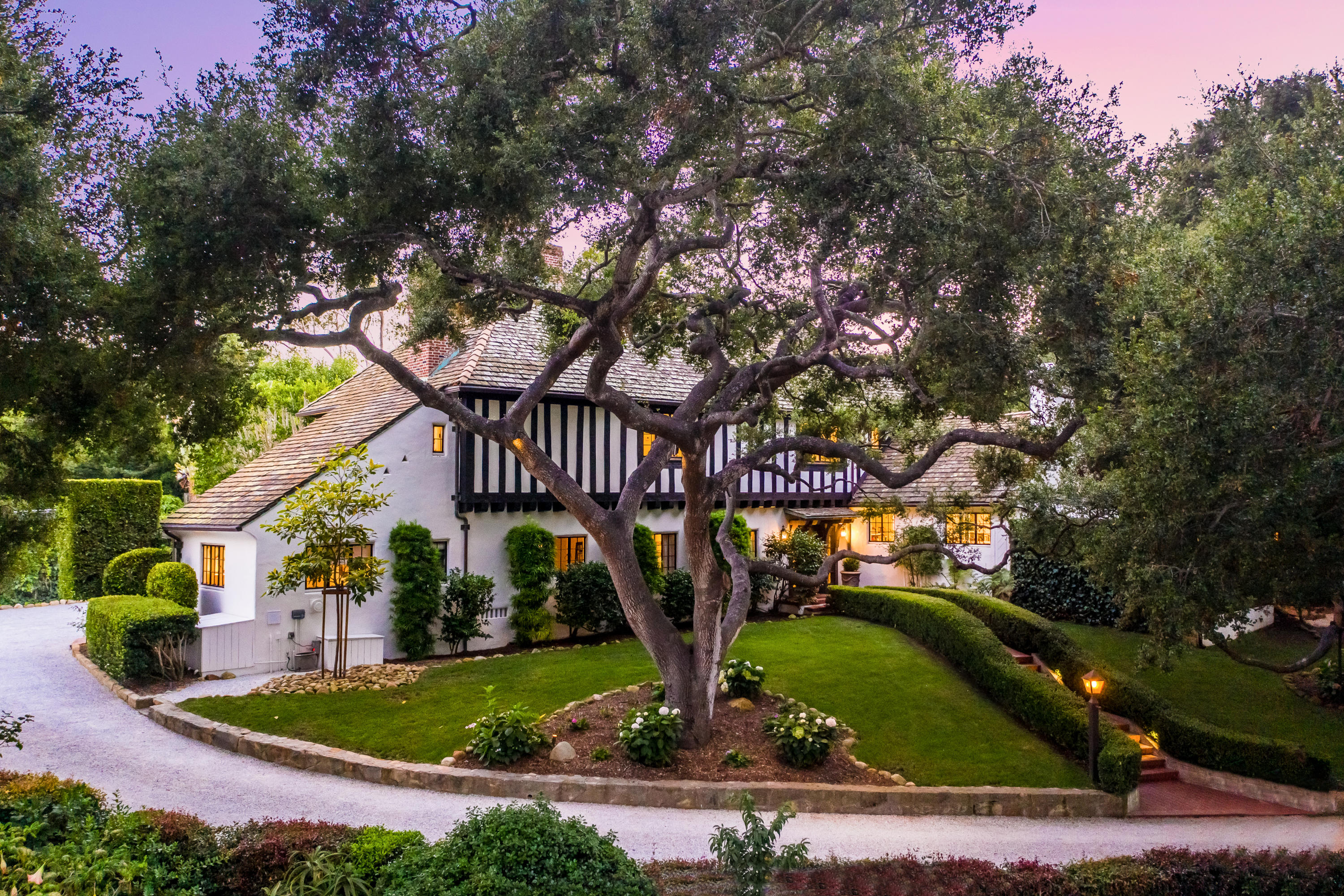 Photo of 1321 School House Rd, MONTECITO, CA 93108