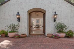 Sunny Courtyard Entry