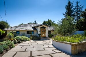 2439 Santa Barbara St, SANTA BARBARA, CA 93105