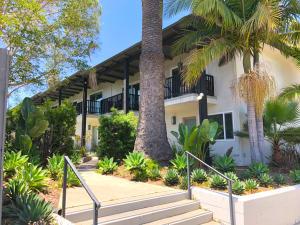 55 Ocean View Ave, SANTA BARBARA, CA 93103