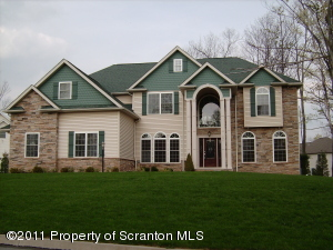 206 CARPENTER HILL RD, Clarks Summit, PA 18411