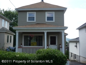 210 Coppernick St, Throop, PA 18512