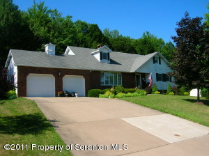 96 43rd St, Fell Twp, PA 18407