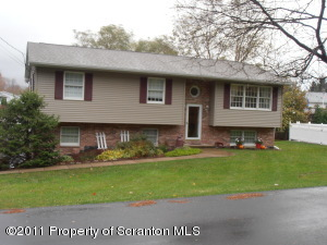108 Griffin Pond Rd, Clarks Summit, PA 18411