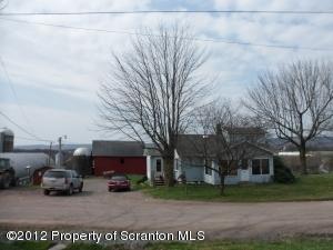 437 N BAKER RD, Waymart, PA 18472