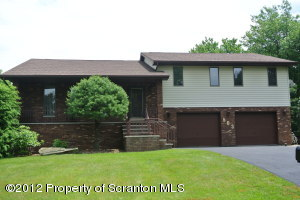 503 Carnation Dr, Clarks Summit, PA 18411