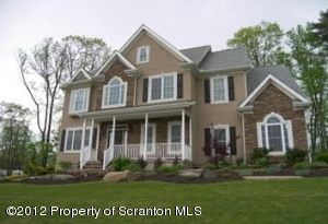 8 WINDY DR, Shavertown, PA 18708