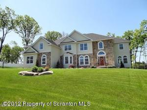 16 WINDY DR, Shavertown, PA 18708