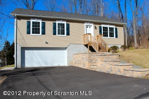 499 Maple Ave, Clarks Summit, PA 18411