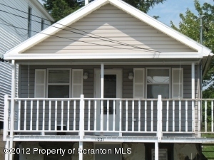 1021 Maple St, Scranton, PA 18505