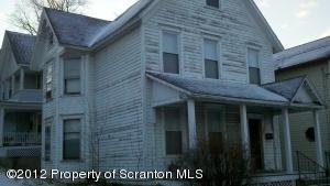 30 Belmont St, Carbondale, PA 18407