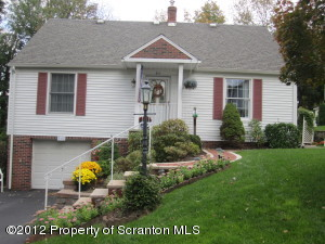 211 Melrose Ave, Clarks Summit, PA 18411