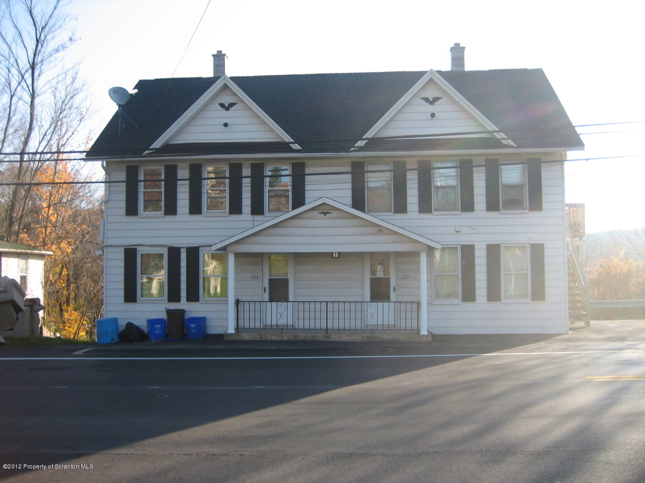 142-144 Main St, Moscow, Pennsylvania 18444, ,3 BathroomsBathrooms,Commercial,For Sale,Main,12-4892
