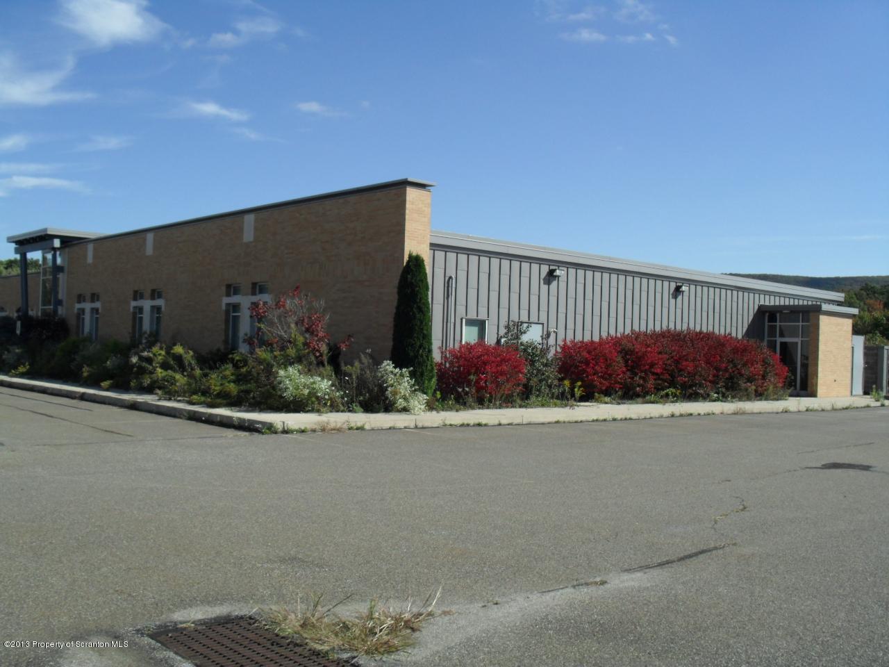 10 FOX RUN RD, Drums, Pennsylvania 18222, ,4 BathroomsBathrooms,Commercial,For Sale,FOX RUN,13-27