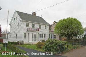 218 Main St, Blakely, PA 18447