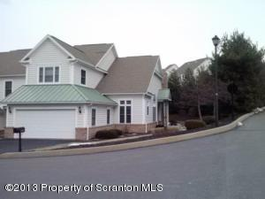 604 Thackeray Close, Moosic, PA 18507