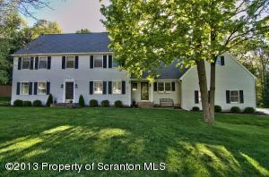101 Apple Valley Cir, Clarks Summit, PA 18411