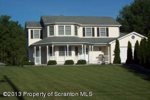 216 Bell Mountain Rd, Greenfield Twp, PA 18433