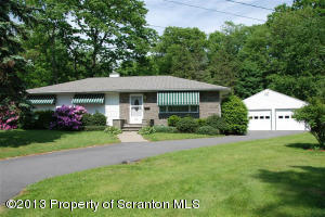 412 Haven Ln, Clarks Summit, PA 18411