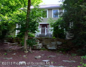 206 Maggies Rd, Clarks Summit, PA 18411