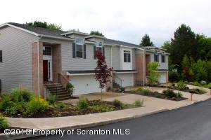 2906 Mccarthy St, Scranton, PA 18505