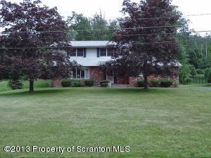 4367 Elmhurst Blvd, Dunmore, PA 18512
