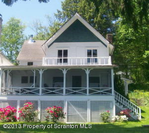 18 Lake St, Lake Carey, PA 18657