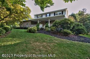 605 Carnation Dr, Clarks Summit, PA 18411