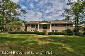 15 SUNSET DR, Jefferson Twp, PA 18436