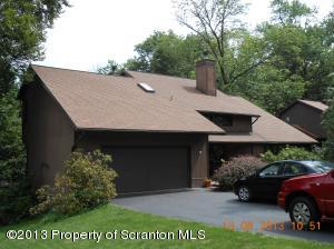 616 Carnation Dr, Clarks Summit, PA 18411