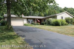 144 Edgewood Dr, South Abington Twp, PA 18411