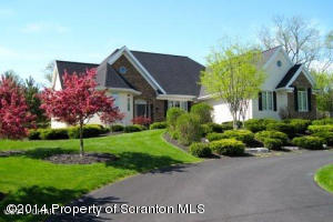 36 Fairway Ln, Sugarloaf, PA 18249