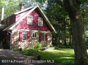 Rear 399 Manor Dr, Pocono Manor, PA 18349