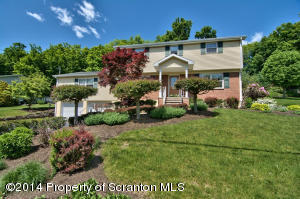 108 STURBRIDGE RD, Clarks Summit, PA 18411