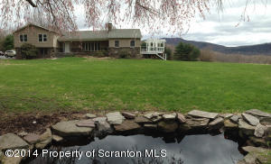 20 Green Acres Rd, Tunkhannock, PA 18657